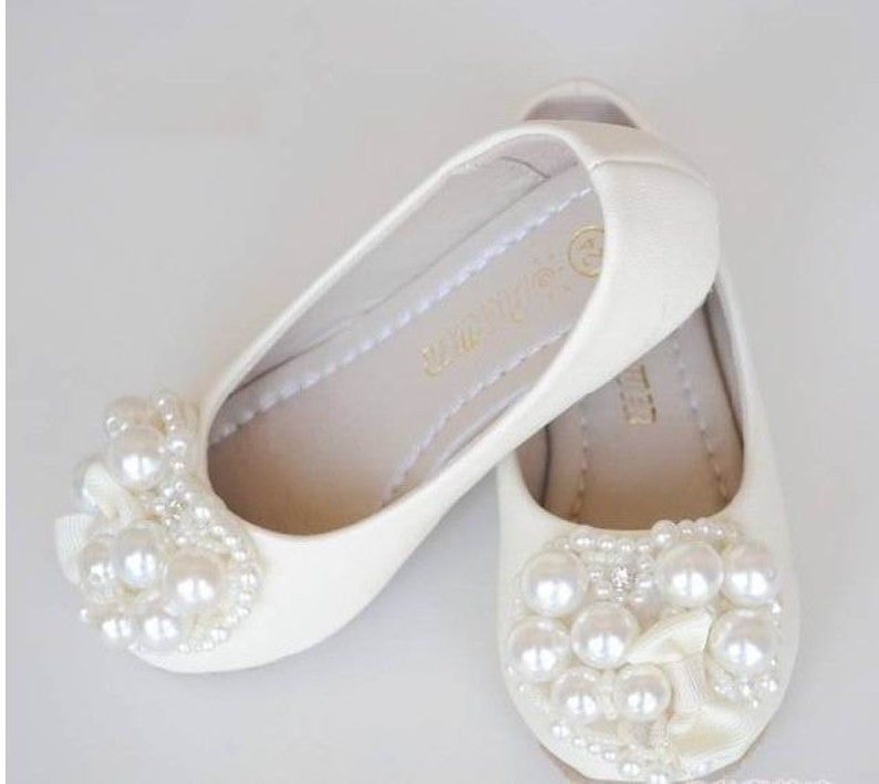99471f0f32c53 Ivory Flower Girl Shoes/ Toddler Girl Shoes/Pearl Party Shoes/Bow Girls  Shoes mary jane shoes-Genuine Leather Shoes For Girls