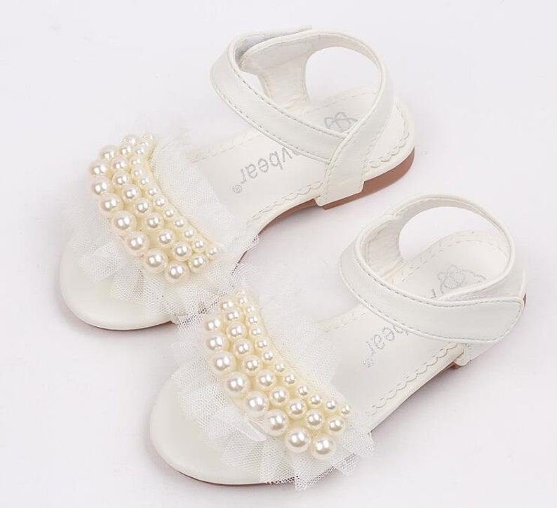 07e30dfabcff1 Flower Girl ivory Sandals Simple and chic Lace pearls toddler Girl shoes