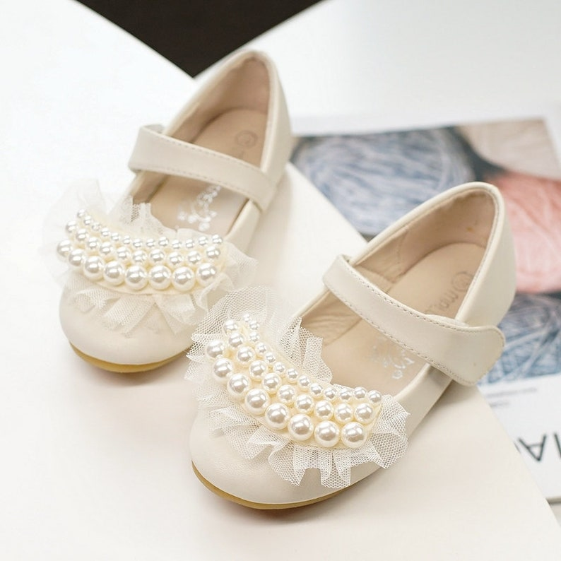 bed33416b0615 Ivory Flower Girl Shoes/ Lace ivory pearl Toddler Girl Shoes/Pearl satin  bow Party Shoes/mary jane shoes-Genuine Leather Shoes for Girls