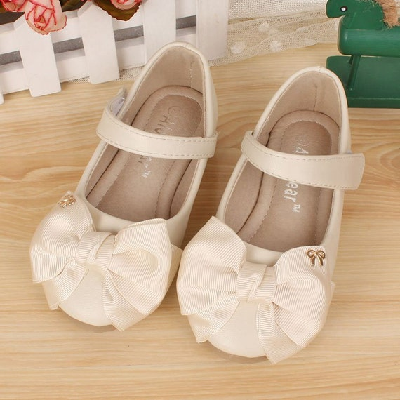 Ivory Flower Girl Shoes/ off white