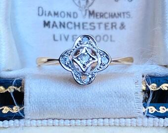 Pretty, Art deco, 18ct, 18k, 750 Gold & Platinum, Quartrefoil  Diamond cluster engagement ring, Circa 1915