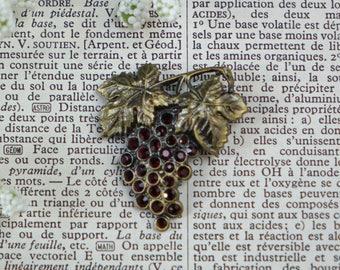 Vintage Grape Brooch Violet Rhinestones Vintage Jewelry