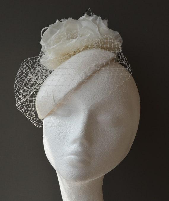 78f05916a87c8 Ivory bridal fascinator. Ivory wedding hat. Ivory Birdcage