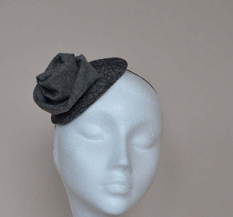 bf49c9f38529a Grey fascinator. Gray fascinator. Grey small hat. Gray mini