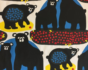Table runner with black bears and blueberries, Scandinavian design