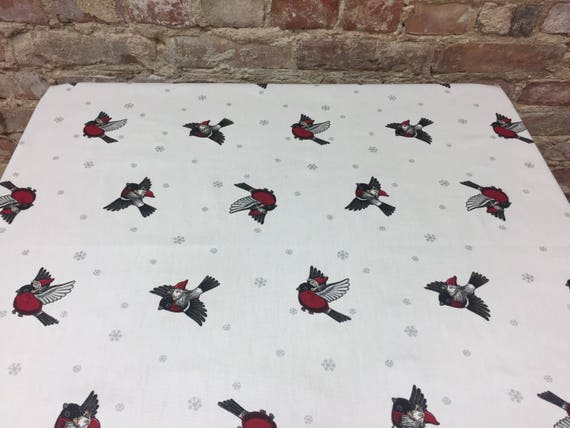 Nappe blanche avec des oiseaux et des flocons de neige, design scandinave, tissu suédois, gtreat cadeau