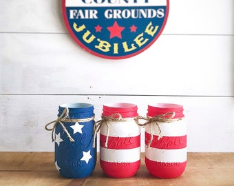 American Flag Mason Jars. Painted mason jars. 4th of July. American Flag. Red white & blue. Stars and Stripes.