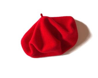 fbd2180e04f97 Vintage Bonnie and Clyde Red Beret Wool Hipster-Boho-Artist s Chapeau    Ships FREE in US