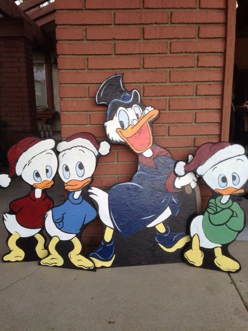 Scrooge McDuck and nephews image 0
