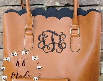 Monogrammed bag, monogrammed purse, monogrammed wallet, scallop purse, personalized bag, Christmas gift, birthday gift, gifts for her