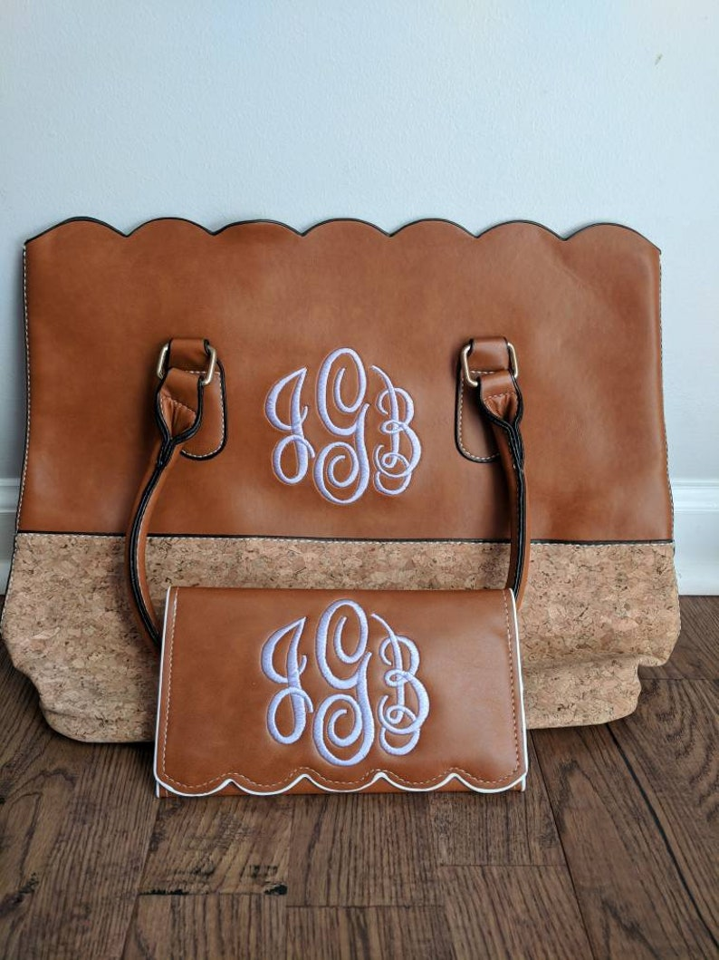 monogrammed purse Monogrammed bag bridesmaid mother/'s day gift bridal party gift monogrammed wallet personalized bag scallop purse