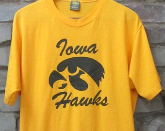 bd3913b22e1 Vintage 80 s University of Iowa Hawkeyes t-shirt Super soft 50 50 blend  Jerzees by Russell Iowa football basketball baseball tee - Large