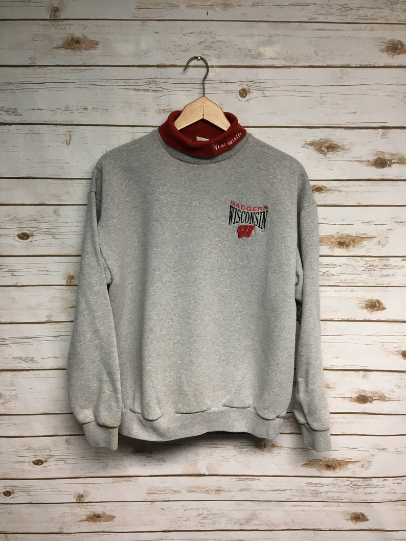 Vintage 90's Wisconsin Badgers crewneck sweatshirt Turtleneck sweatshirt University of Wisconsin Badgers Bucky football basketball Medium
