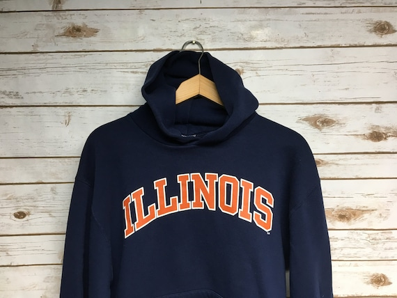 New Mens Nike Navy Blue University of Illinois Illini Never Stop Tee NCAA Big 10