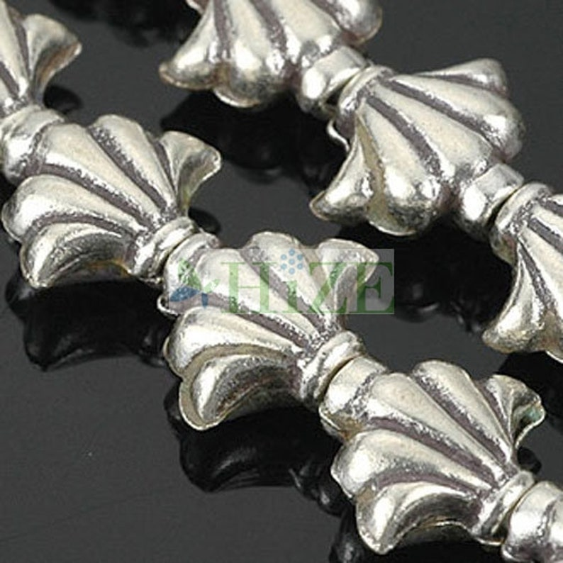 10 HIZE SB694 Thai Karen Hill Tribe Silver Fancy Clam Shell Beads 10mm
