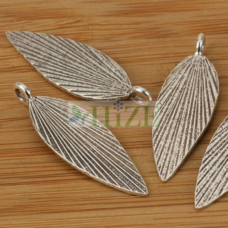 4 HIZE SC097 Thai Karen Hill Tribe Silver Stripe Lines Leaf Charms 10mm