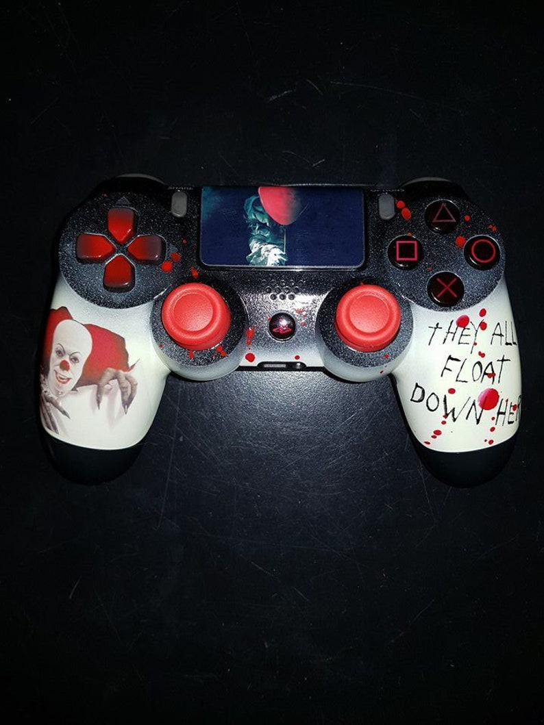 Custom IT Custom PS4 controller