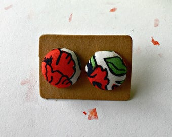 poppy earrings, fabric covered buttons, button earrings, fabric earrings, liberty fabric, flower ear studs, earings, jewellery, ear studs