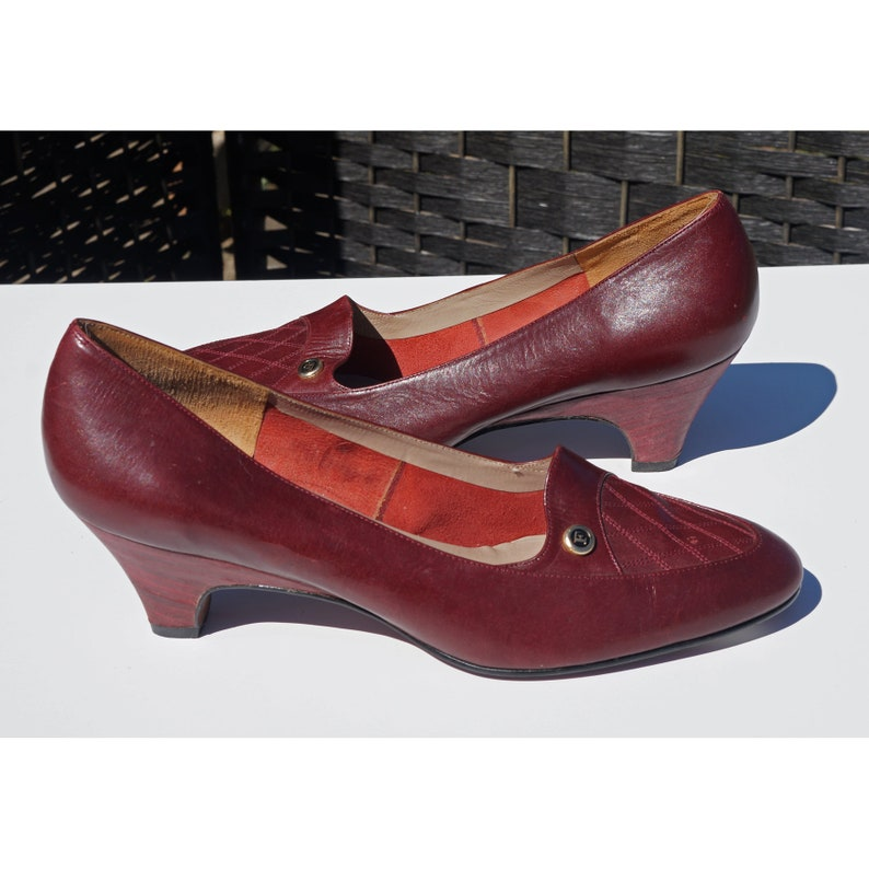 8437ef55a2f Vintage Florsheim Signature Pumps, 80s Shoes, Burgundy Wine, Oxblood,  Medium Heels, 6B, Preppy, Career,