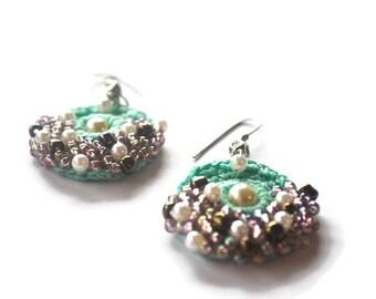 Pastel green crochet earring