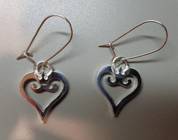 Solide Argent Sterling 925 petit Sweet Heart Boucles d/'oreille USA Vendeur