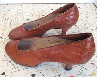 27b3553f6856 1940 s Vintage Snakeskin Shoes.. I. Miller for Harrods.. re-heeled