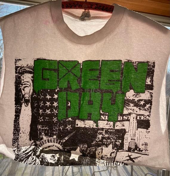 Vintage Green Day Crop Top