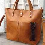 Small leather tote bag woman, leather tote with optional zipper, interior zipper pocket, crossbody, distressed leather, every day bag Lenie!