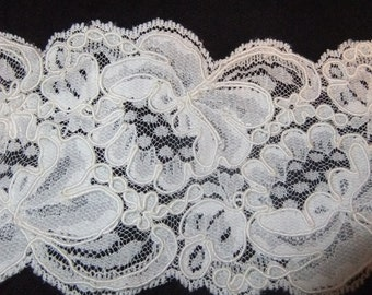 "Elegant White Lace Trim, 3 1/2"" by 2 Yards 22"", for Costume or Bridal Wear"