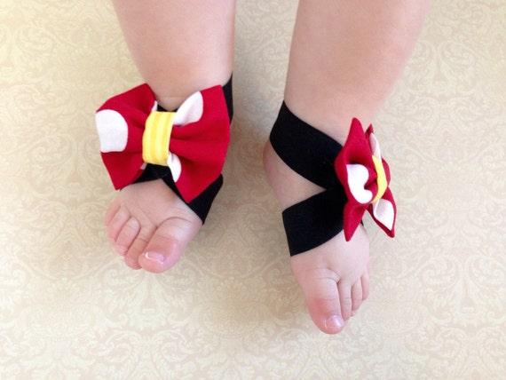 95532ab213e Sandales pieds nus pour bébé Minnie Mouse bow sandales pieds