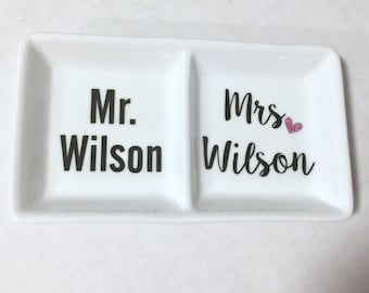 Mr and Mrs Personalized Ring Dish, Wedding Gift, Engagement Gift, Personalized Ring dish, Ring Dish, Engagement Gifts for Couple, Ring Dish