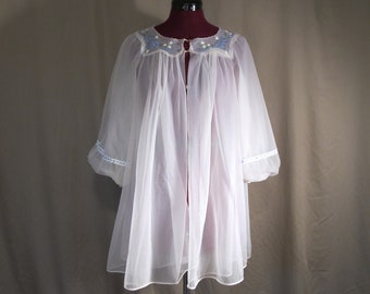bf832d9768 1950s 1960s Short Robe or Dressing Gown