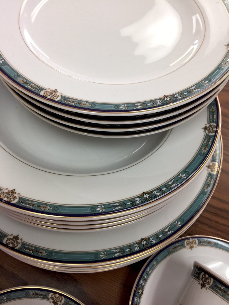 Mikasa Belvedere DINNER Cups /& Saucers  ~  4 of Each SOUP SALAD