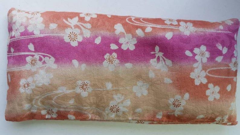 SAKURA eye pillow for relaxation & yoga  Sakura image 0