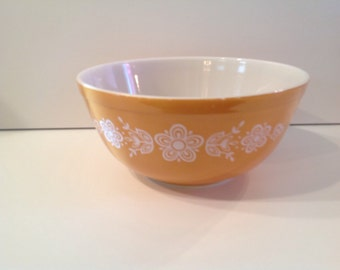 Pyrex butterfly gold mixing bowl