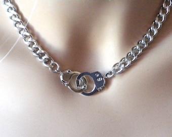 Small Handcuffs Bracelet in silver simple everyday jewelry by jewelmango hand cuffs fun jewelry hand cuffs freedom