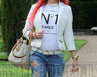 No One Cares At All T-shirt / No 1 Cares Top / Premium Quality ! - Made in London / Fast Delivery to the Usa , Canada , Australia & Europe !