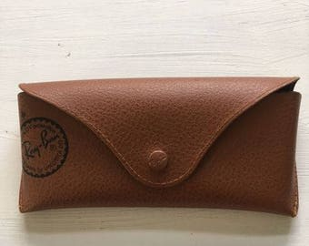 2b04d30ed8cd Vintage RAY-BAN Sunglasses by Luxottica Eyeglasses / Sunglasses Case