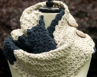 66a99c72dbc66a Blaue Infinity Schal mit Knopf Detail - nicht Wolle Chunky Cowl in dunklen  Denim & Leinen - Winter Circle Schal oder Mobius Cowl
