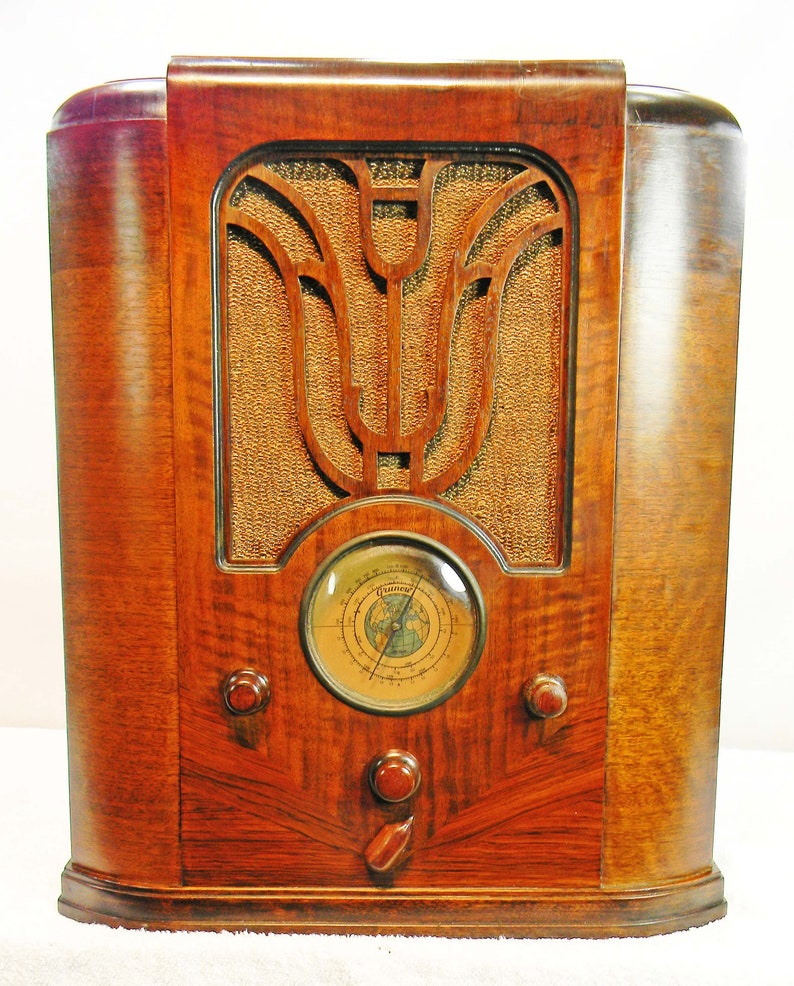Grunow 750 Tombstone (1934) AM & Shortwave antique radio with mini-jack  installed and BLUETOOTH AVAILABLE !!!!!
