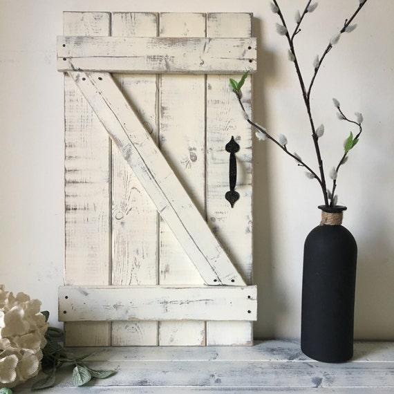 Superbe MINI BARN DOOR Wall Hanging Wood Shutter Barn Door Decor | Etsy