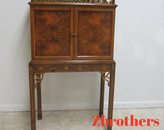 Maitland Smith Chinese Chippendale Lighted Bar Pagoda Top