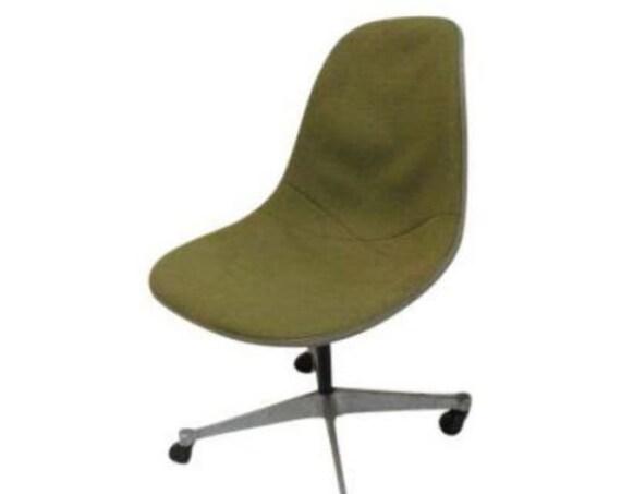 Vintage Herman Miller Fiberglass Egg Office Desk Chair
