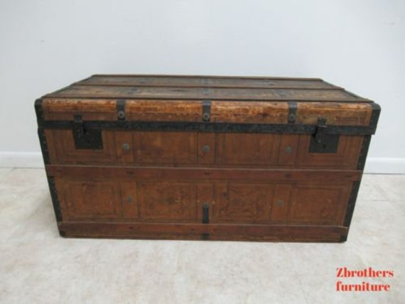 Antique Steamer Trunk Storage Chest Coffee Table
