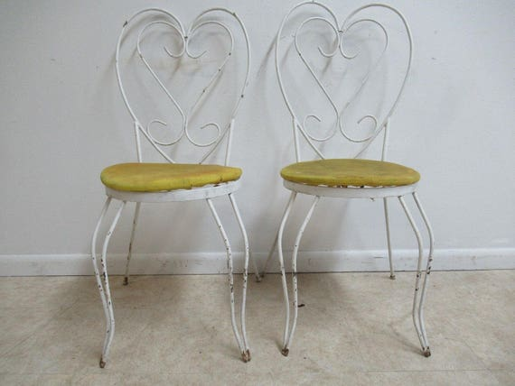 Pair Vintage Iron Sweet Heart Outdoor Patio Porch Dining Side Chair