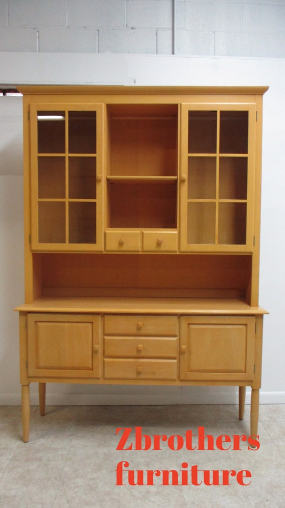 Ethan Allen American Dimensions China Cabinet Hutch Breakfront display Cupboard