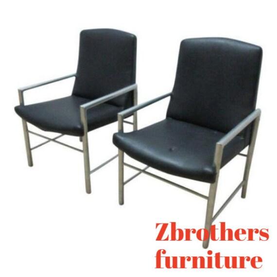 Pair Mid Century Aluminum Tubular Arm Lounge Club Chairs
