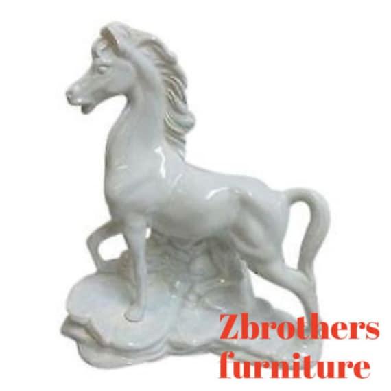 Vintage Mid Century White porcelain stallion Horse Table Lamp Light 1950s Tiki
