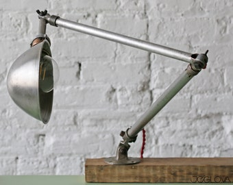 restored vintage industrial desk or wall lamp – articulating machinist's lamp by Ajusco-loc