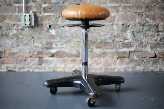 Super Vintage Industrial Stool Dentist Ritter Mobilrest Stool By Ritter Company Inc Of Rochester N Y Unemploymentrelief Wooden Chair Designs For Living Room Unemploymentrelieforg